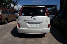 2010 Toyota ISIS for sale!! Price Neg!!